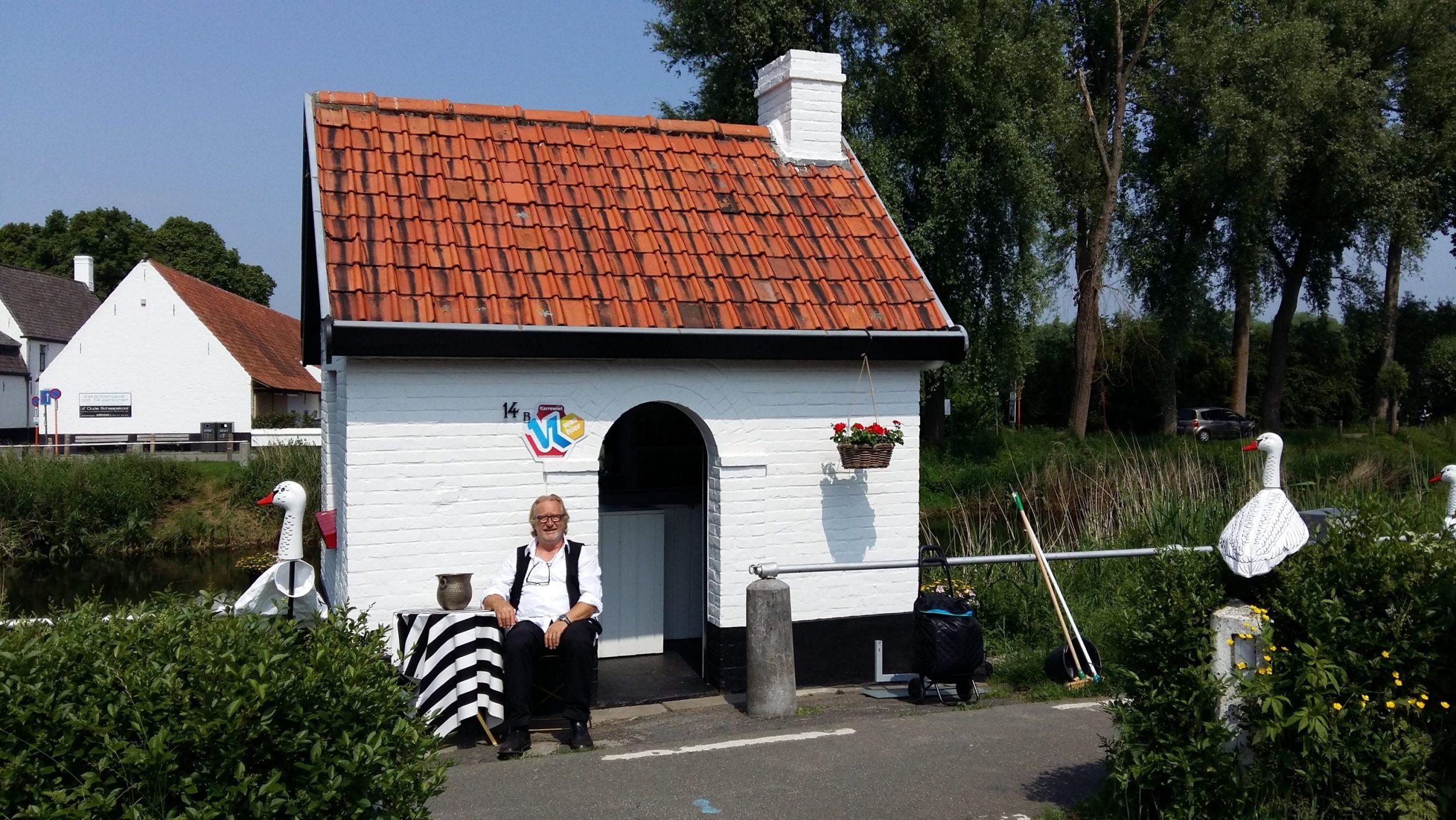 Het kleinste snoepwinkeltje van België in Damme.