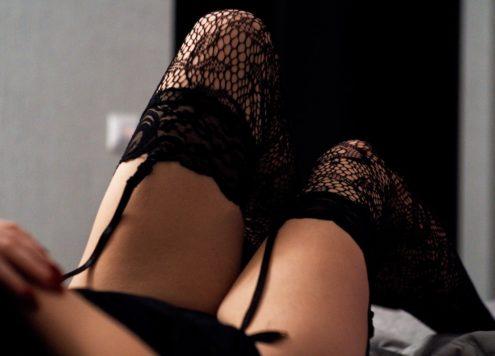 lingerie-artem-labunsky-unsplash
